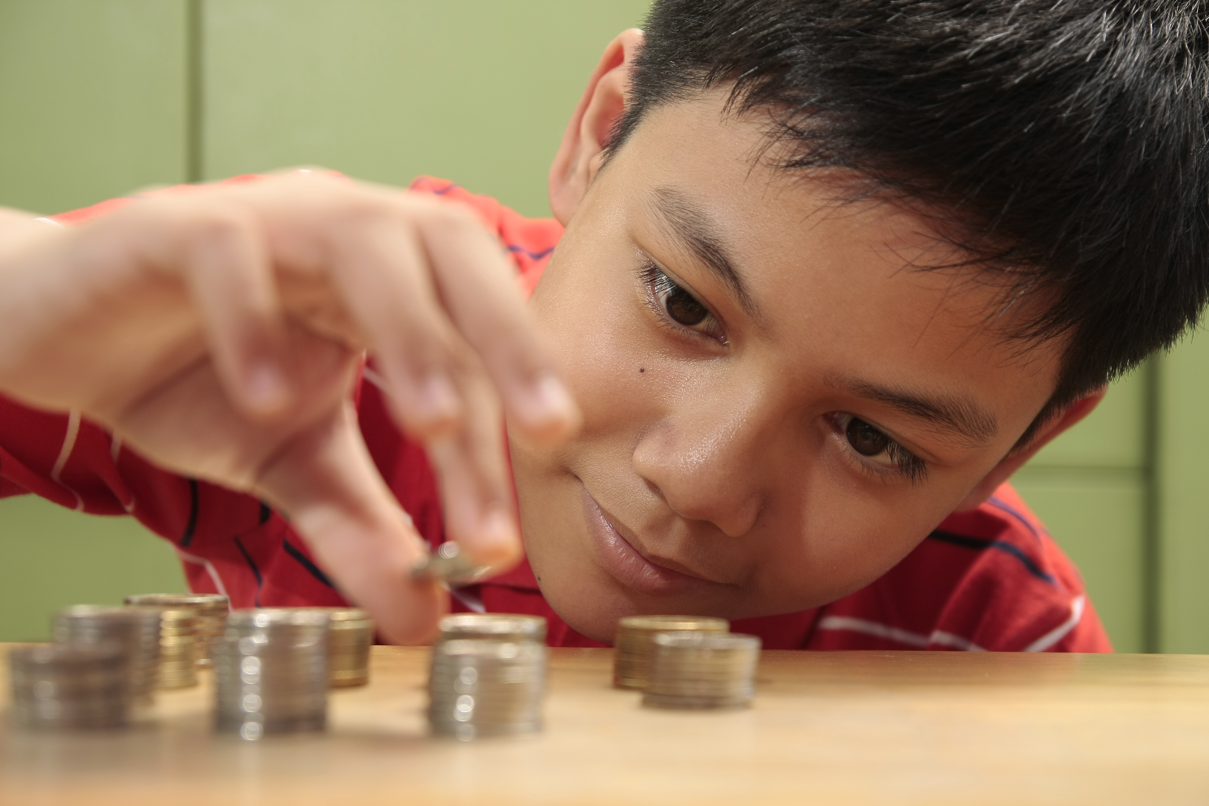 Youth Savings Pilot Explores a Path Forward with Banks